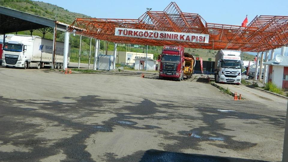 Türkiye kapıyı açıyor, Gürcistan kapatıyor