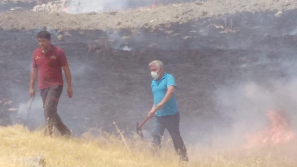Kulp'ta 10 dönüm ormanlık alan yandı