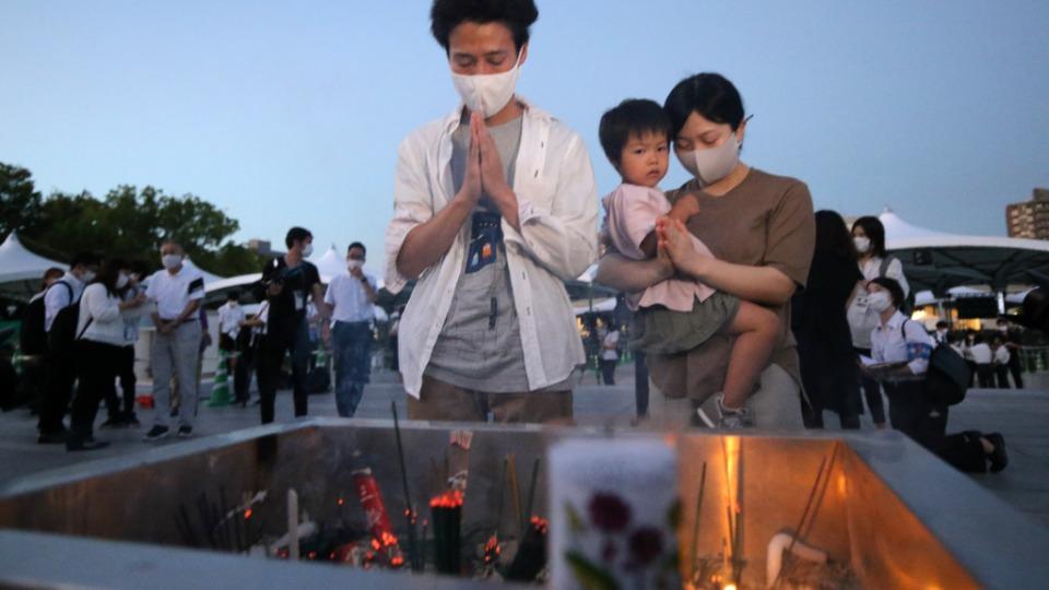 Hiroşima'da atom bombası saldırısının 76'ıncı yılında yaşamını yitirilenler anıldı