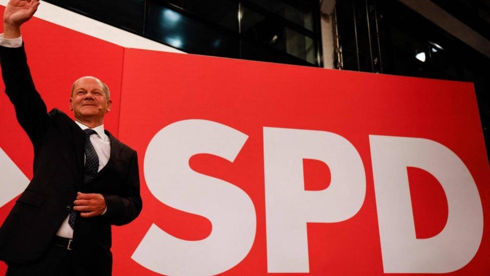 Almanya'da seçimin kazananı Sosyal Demokrat Parti oldu