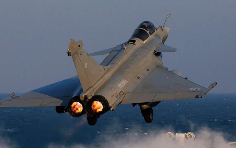Yunanistan Fransa'dan 18 adet Rafele savaş uçağı alacak